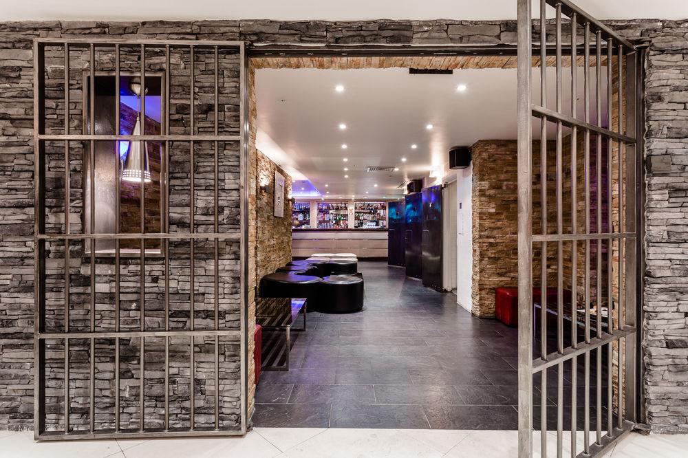cocktail bars london